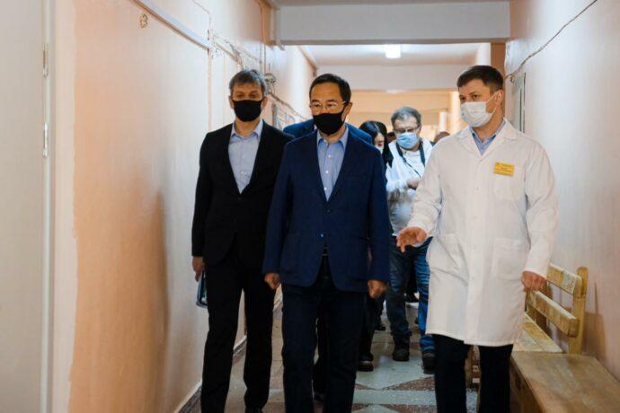 Глава Якутии Айсен Николаев ответил на вопросы нерюнгринских медиков
