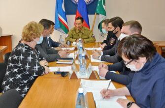 Глава Якутии прибыл в Ленский район, где провел заседание оперштаба