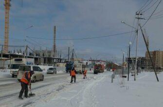 Коммунальщики расчищают улицы и дворы Якутска от последствий аномального снегопада