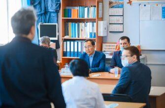 Глава Якутии ответил на вопросы жителей поселка Беркакит