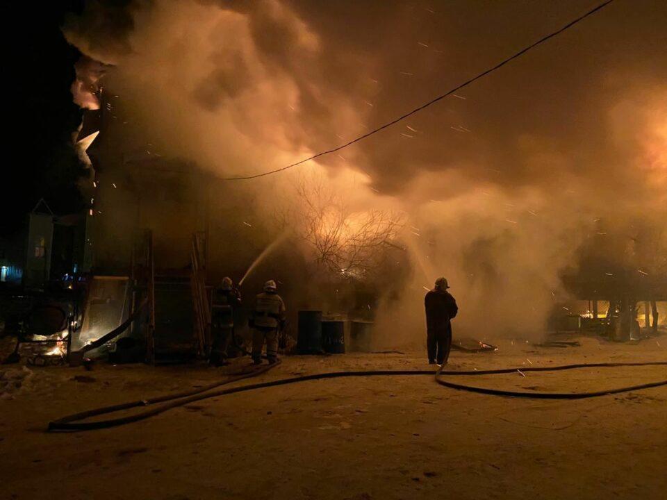 Айсен Николаев поручил оказать помощь пострадавшим при пожаре в селе Чапаево