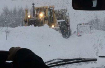 """Из-за обильного снегопада затруднено движение на автодороге """"Яна"""""""