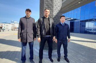 Борец Айаал Лазарев прилетел в Якутск после выступлений на ряде турниров