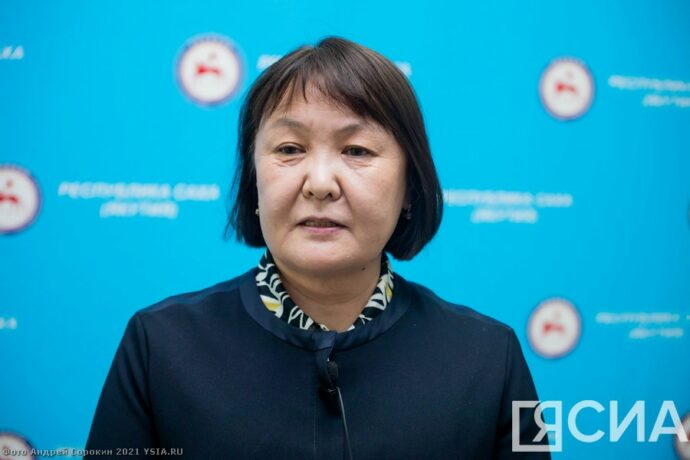 Главврач Якутской горбольницы №2 призвала сделать прививку от коронавируса