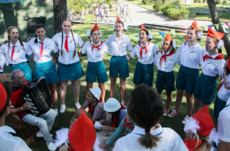 Кабмин РФ утвердил правила кешбэка на путевки в детские лагеря