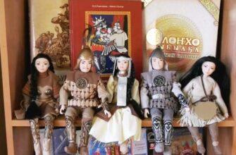 Феодосия Габышева на протяжении многих лет дарит книги библиотеке в Верхневилюйском районе