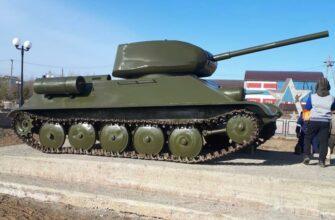 ФОТОФАКТ. В Нюрбе установили модель танка Т-34 в честь Дня Победы