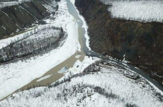 В Верхоянском районе Якутии произошло загрязнение рек Адыча и Сентачан