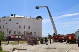 Пожарные МЧС России ликвидировали условный пожар в Якутской духовной семинарии