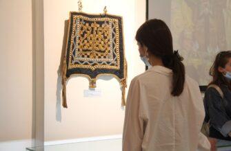 Выставка музея Ярославского  проходит с большим успехом на Днях Якутии в Казани