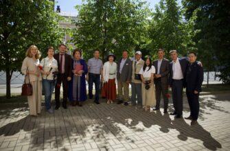 Якутские и татарские писатели отметили День русского языка в Казани