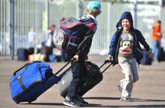 Для выезда ребёнка за пределы России потребуется согласие только одного из родителей