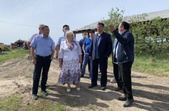 Премьер Якутии встретился с представителями сельхозпредприятий Амгинского района