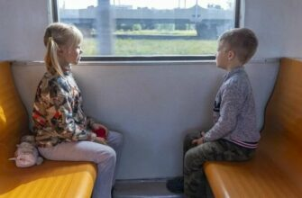 Семьи с детьми смогут купить билеты на поезд дальнего следования со скидкой