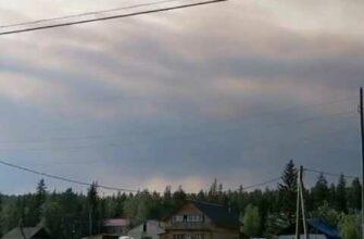 Лесопожарные Минэкологии Якутии тушат лесной пожар близ села Тит-Ары Хангаласского улуса