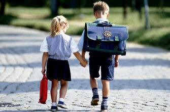 Дума приняла закон о зачислении в одну школу братьев и сестер независимо от их прописки