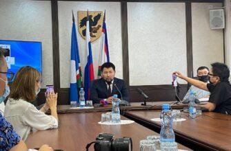 Евгений Григорьев провел пресс-конференцию о статусе Якутска