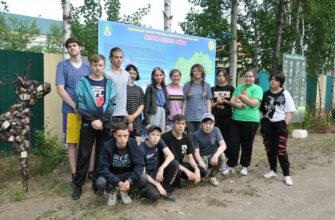 Подростки Ленского района получают достойную оплату за труд в летних бригадах