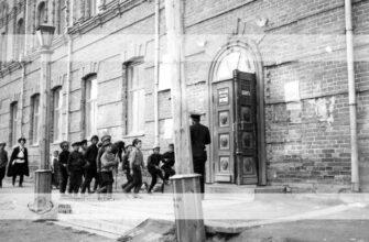 """Рубрика """"Кадр"""": Как строили самое стильное здание Якутска начала века"""