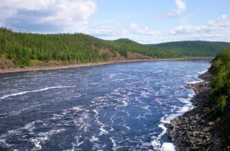 На реке Вилюй у берега села Эльгяй Сунтарского района Якутии унесло течением подростка