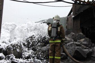 """Работники """"Якутугля"""" отрабатывали навыки борьбы с пожаром"""