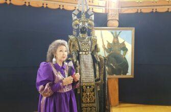 В Бердигестяхе презентовали коллекцию известного модельера Августины Филипповой