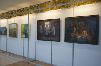В Доме дружбы народов Якутска открылась выставка картин «Созидая прекрасное»