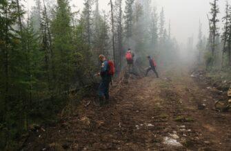 На защиту населенных пунктов в пяти районах Якутии задействованы специалисты МЧС