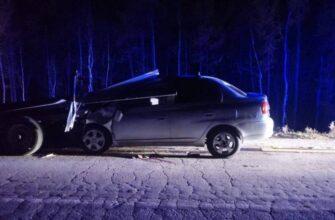 В Якутии в ДТП погибли женщина-водитель и пассажир