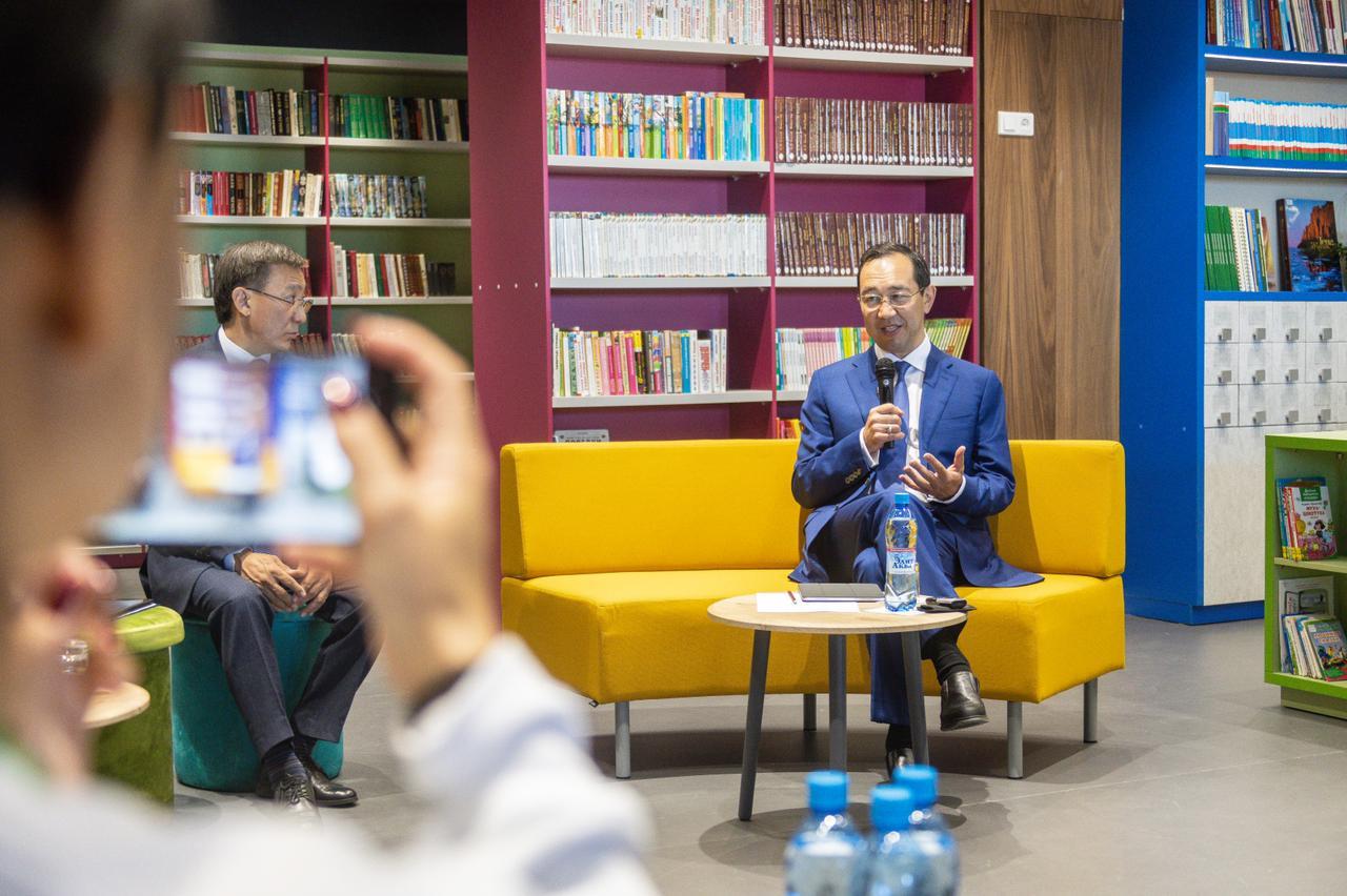 Глава Якутии впервые после начала пандемии провел пресс-конференцию с журналистами