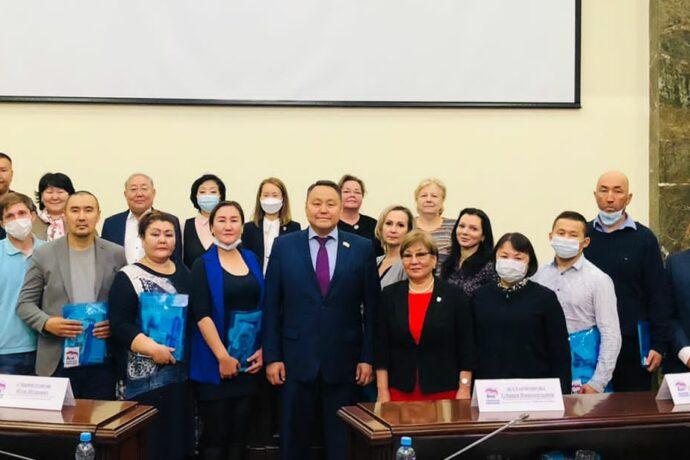 «Единая Россия» пополнилась новыми сторонниками в Якутии