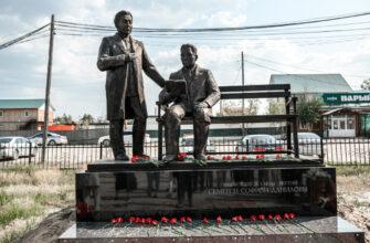 В Якутии откроют памятник писателям Софрону и Семену Даниловым