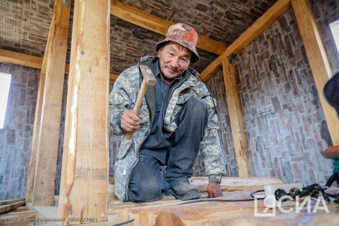 Работы по возведению скотопомещений в селе Бясь-Кюель Якутии идут опережающими темпами