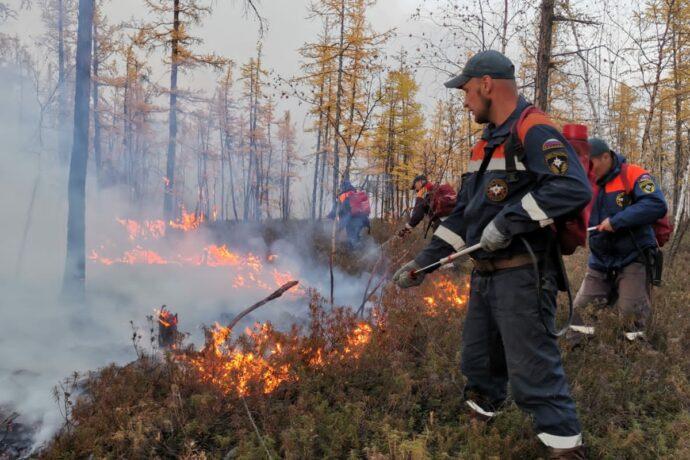В Якутии за сутки ликвидировали восемь природных пожаров