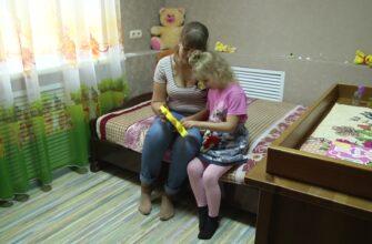 В законе о домашнем насилии предлагают прописать механизм размещения детей и мамы в кризисный центр