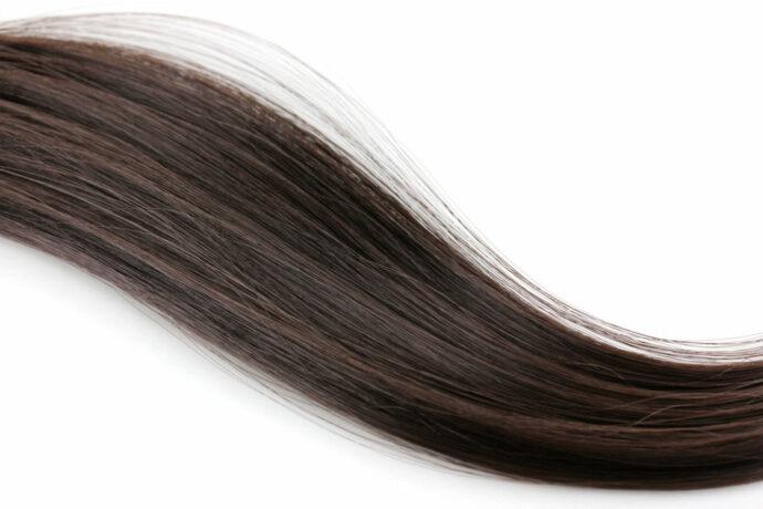 Врач-трихолог объяснила, что делать при выпадении волос после COVID-19