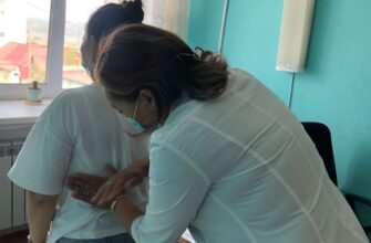 Врачи-нефрологи провели выездной осмотр пациентов Хангаласской центральной районной больницы