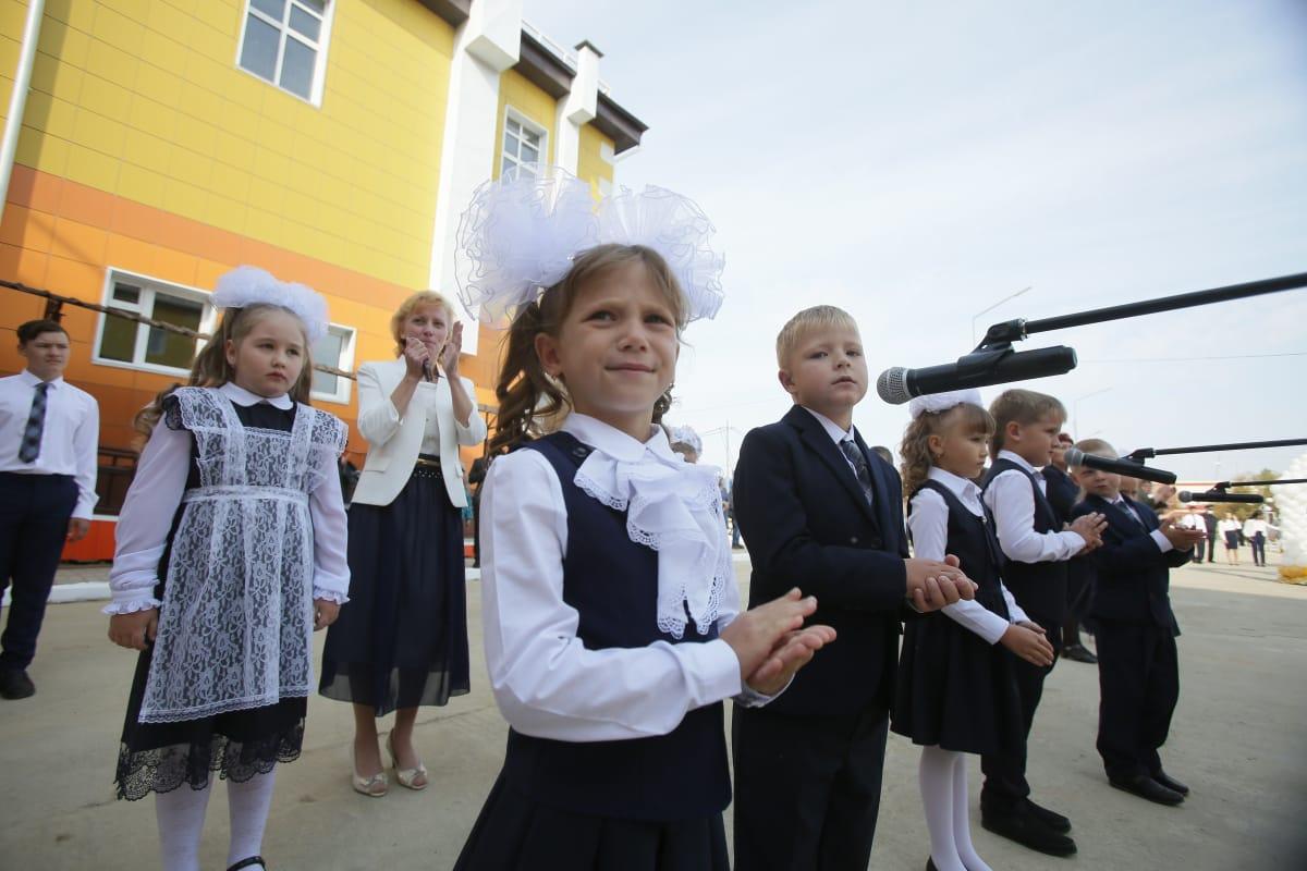 Глава Якутии рассказал о готовности республики к началу учебного года в условиях пандемии