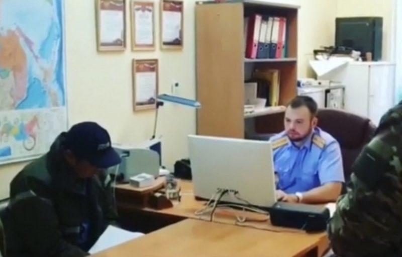 В Якутии эксперт ГКУ «Управтодор» получил взятку в 600 тысяч рублей. На его имущество наложен арест на сумму более 2 млн рублей