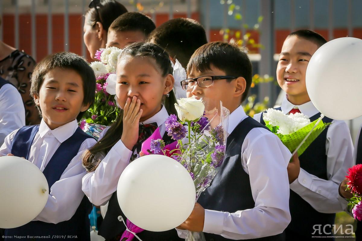 Глава Якутии: По предварительным прогнозам, школы и детские сады могут открыться с 1 сентября