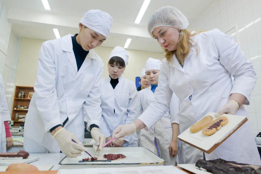 АГАТУ приглашает абитуриентов на факультет ветеринарной медицины