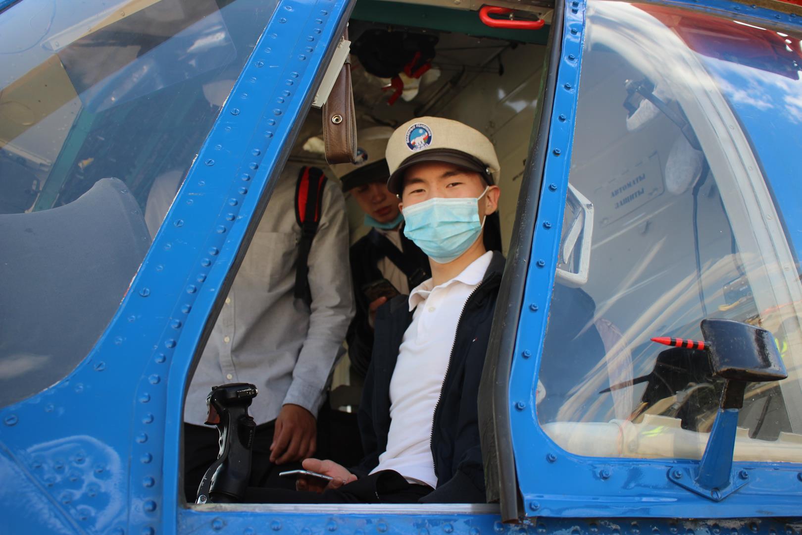 «Молодежь в авиацию»: 19 якутян обучатся на пилотов вертолета в Омске