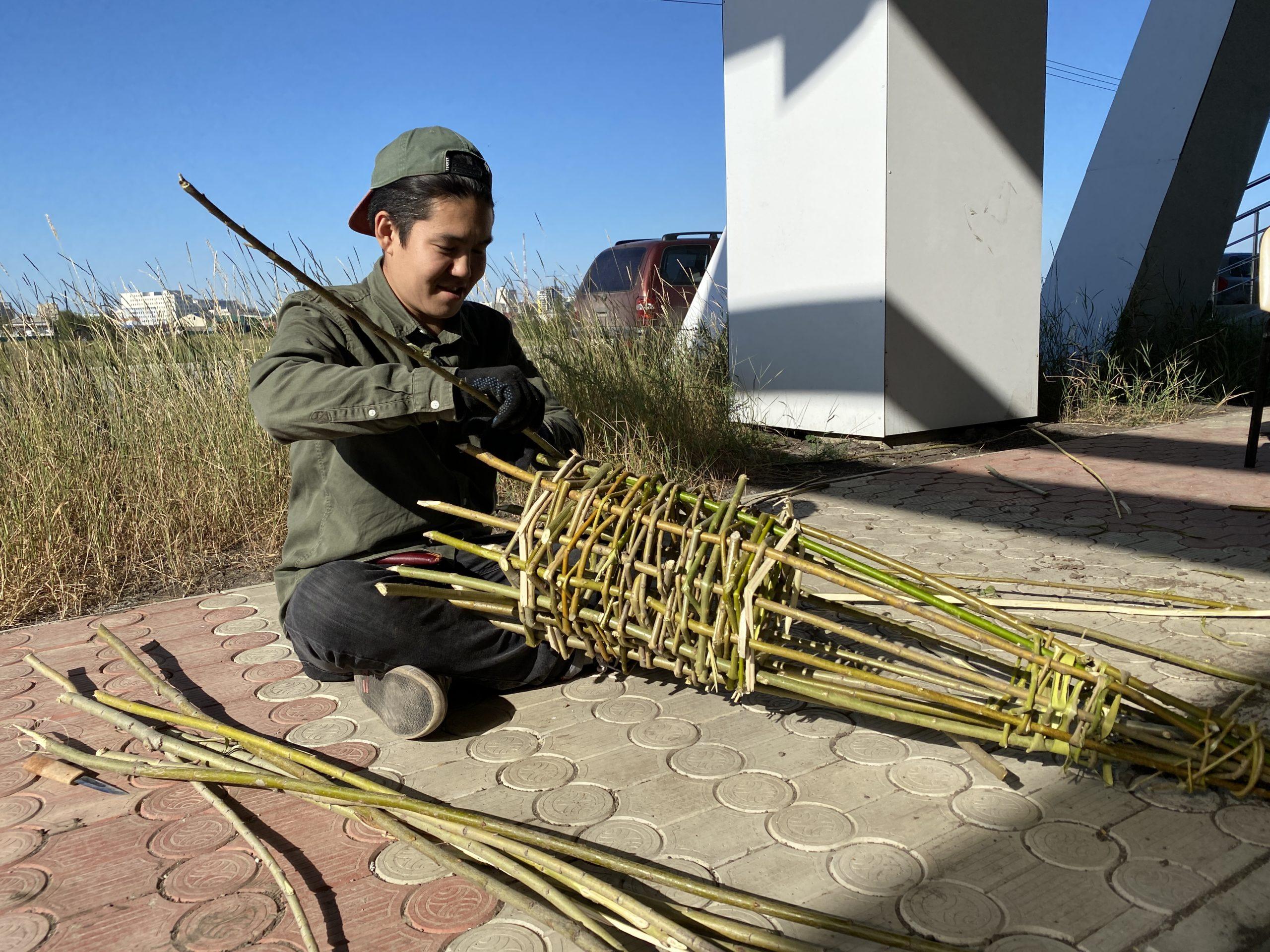 Реконструкция готовки якутских блюд. Карась на рожне