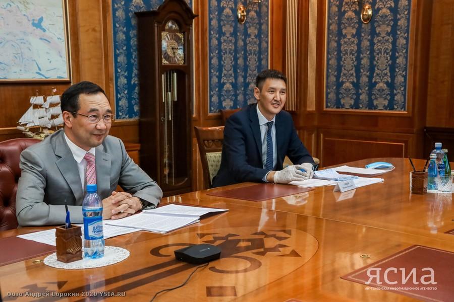 Айсен Николаев напутствовал выпускников вузов, выезжающих работать в районы Якутии