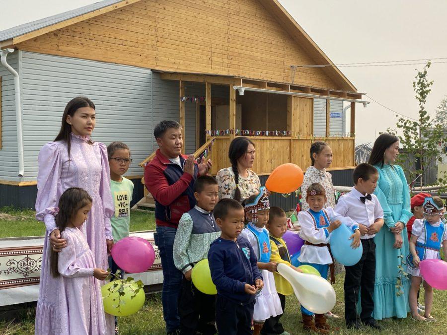Граждан из аварийного жилья в Арктике могут переселить в другой населенный пункт при их желании