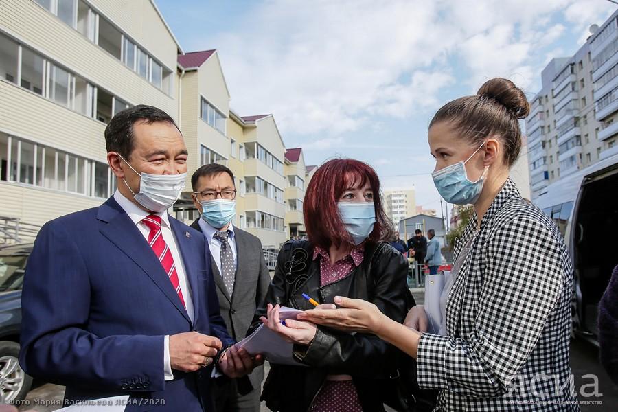 В Мирном после визита главы Якутии расселили жителей аварийного дома