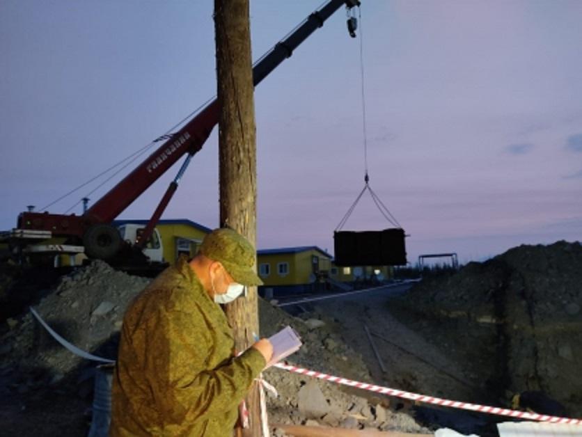 В Якутии двух рабочих золоторудной компании насмерть придавило металлическим листом
