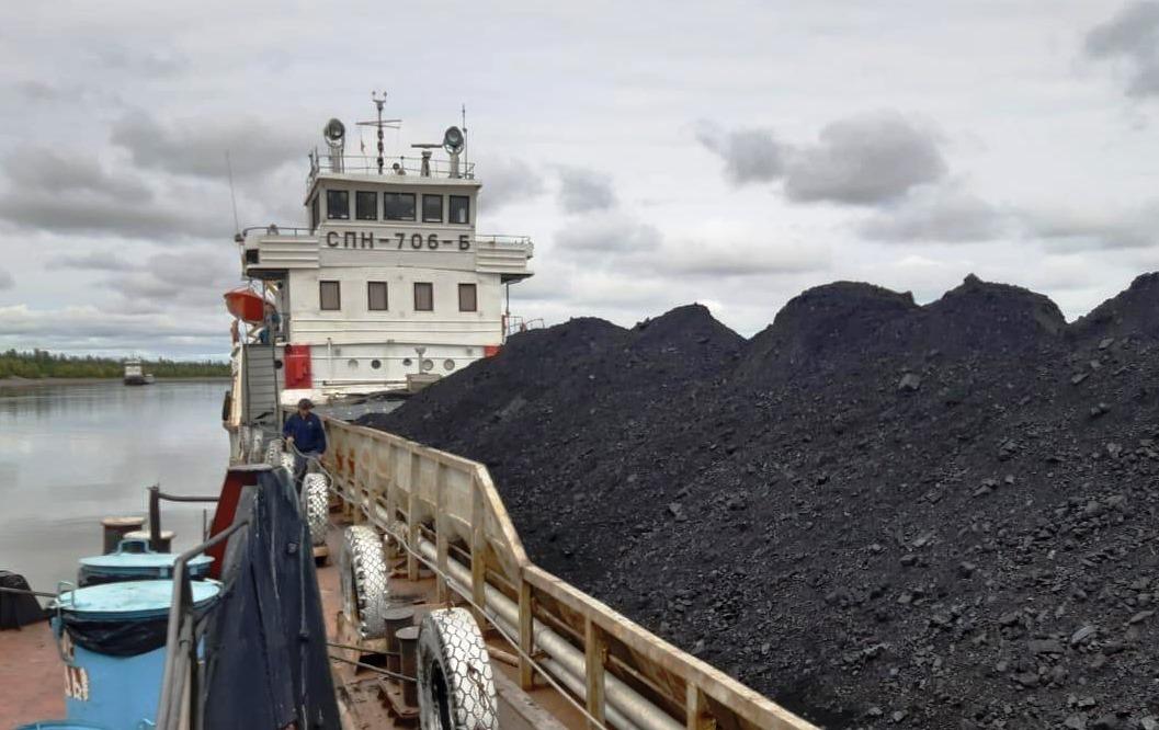 В труднодоступное село Кебергене Абыйского района доставлен весь запланированный объем угля