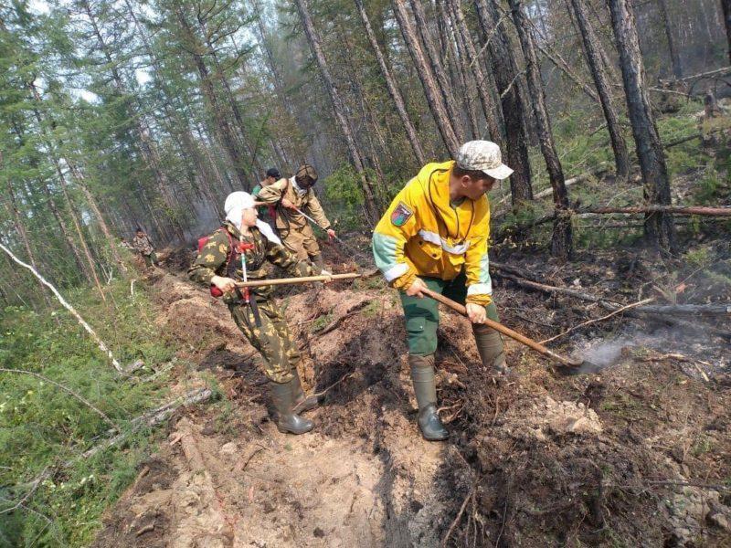 В Якутии тушат 18 лесных пожаров