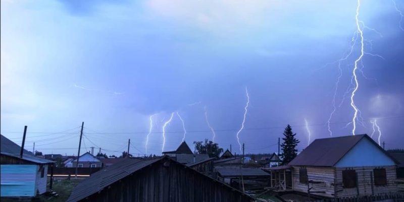 Энергетики восстанавливают электроснабжение Сунтарского района Якутии